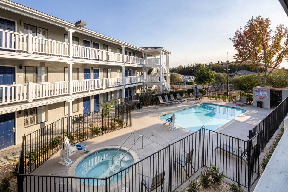 CHOOSE TO STAY AFFORDABLY IN FAIRFIELD, CALIFORNIA ENJOY CONVENIENT AMENITIES THAT KEEP GUESTS COMFORTABLE