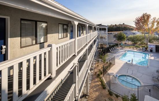 SureStay Fairfield - Courtyard View